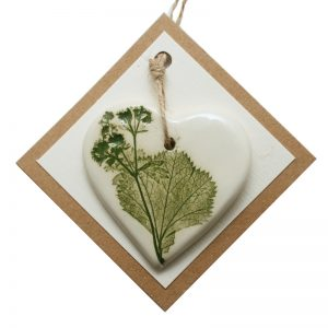 Pressed leaf small heart green-1
